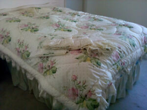 Double Bed size sheet and comforter set