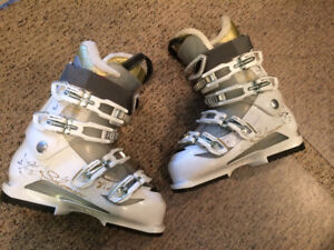 Salomon Ladies Size 8