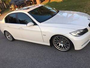 BMW 330i 2006 AUTOMATIC SEDAN - LOW KM Westminster Stirling Area Preview