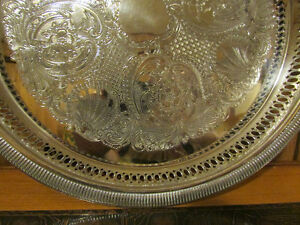 """Vintage Silver-Plated Round Decorative Serving Tray 12 ¼"""" Kitchener / Waterloo Kitchener Area image 2"""