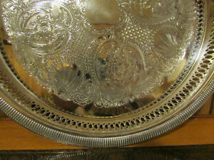 "Vintage Silver-Plated Round Decorative Serving Tray 12 ¼"" Kitchener / Waterloo Kitchener Area image 2"