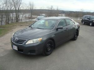 2010 TOYOTA CAMRY LE 4DR $5995 PLUS HST 213,000KM