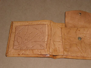 Very old authentic Egyptian Wallet w/ Hieroglyphic design West Island Greater Montréal image 5