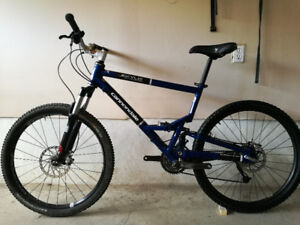 Cannondale jekyll 400 mountain bike