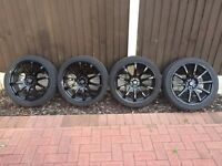 4 x Black Alloys with tyres in good condition - 225/40/18