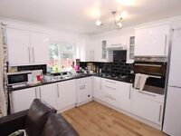 Modern Room in 3 bathroom flat with TV & Internet Close to Tube