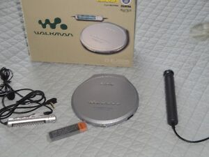 SONY CD DISKMAN - LIKE NEW, ONLY USED A COUPLE TIMES London Ontario image 1
