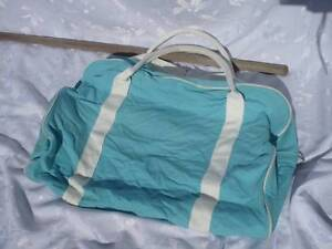 aqua and white holdall or beach bag. Wellington Point Redland Area Preview