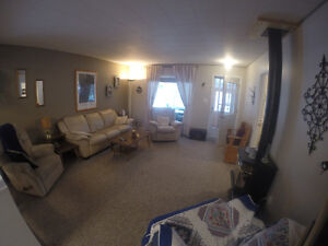 GORGEOUS PIGEON LAKE CABIN.  2 BED, 2 BATH.  STEPS TO THE LAKE! Strathcona County Edmonton Area image 4