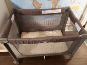 Parc bebe Cosco Pack and Play Playard