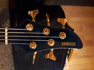Yamaha RBX765A 5 string excellent condition/trade for fretless