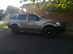 Nissan Pathfinder - Luxury Extras, Turbo Diesel 4cyl, Long rego.