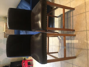 2 bar stools for kitchen