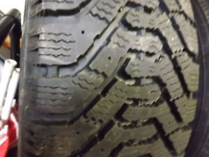 3+1 winter tires Goodyear almost new 205 65R15 Gatineau Ottawa / Gatineau Area image 3