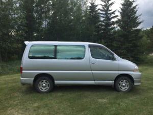 Toyota Grand Hiace 2000 4x4 64000 km excellent mechanical