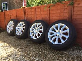 "Range Rover new shape 20"" alloys with tyres"