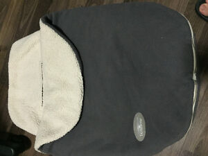 BabyBjorn carseat cover for winter