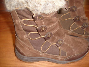 Boots TEVA LITTLE CLOUD DARK BROWN FAUX FUR SUEDE WATERPROOF 3M