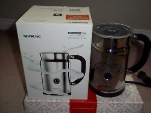 EXCELLENT CONDITION NESPRESSO Aeroccino PLUS Milk Frother