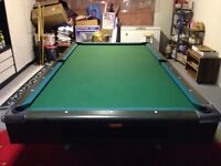 Selling a 5 x 9 pool table in great condition