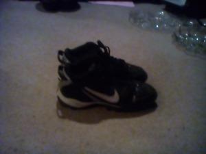 Nike size 9.5 football cleats