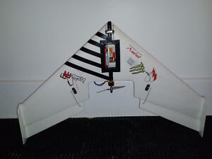 Drone racer Wing Avion COMPLET NEUF RTF