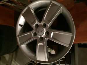kia soul rims and tires