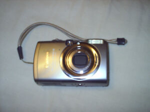 Nice Canon Digital Camera, Highly Collectible Item