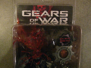 GEARS OF WAR Headshot Locust Drone Action Figure with COG Tags Edmonton Edmonton Area image 4