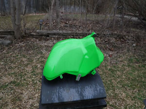 2005 Kawasaki ZX-6RR New gas tank