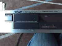 Vintage T-707 Digital synthesizer AM/FM stereo tuner