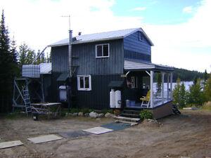 Chalet Monts Valins entré St-Fulgence Saguenay Saguenay-Lac-Saint-Jean image 3