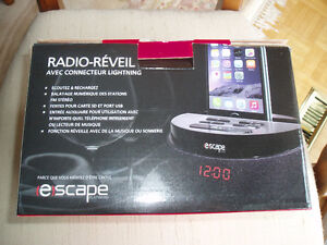 ALARM CLOCK RADIO FOR ANY APPLE DEVICE West Island Greater Montréal image 3