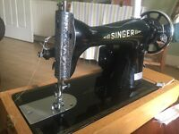 1917 Singer Sewing Machine (fully functional)