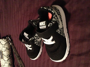 Brand new infants Nike sneakers size 7