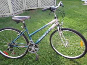 vélo hybride pour femme de marque MINELLI