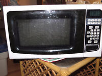 Free h;a;milton Beach microwave till end of long weekend