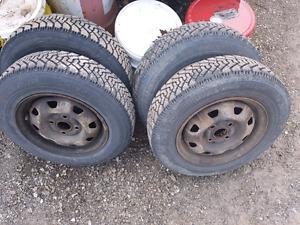 00-05 Hyundai accent rims and tires