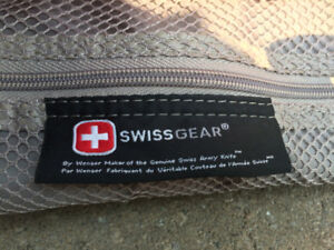 SWISS GEAR LUGGAGE LIKE NEW FOR SALE!!!