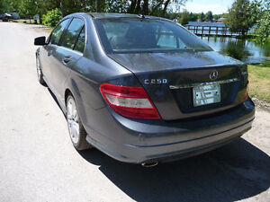 2011 Mercedes-Benz C250 V6 Sport Package AWD $78 Weekly Peterborough Peterborough Area image 7