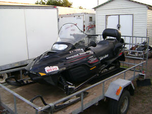 ***PARTING OUT SLEDS***   2000 GRAND TOURING 600 TWIN SKI-DOO***