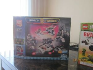 Lego Space Heroes Block Tech - 605 pieces