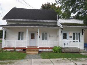 Belle grande maison à louer avec garage