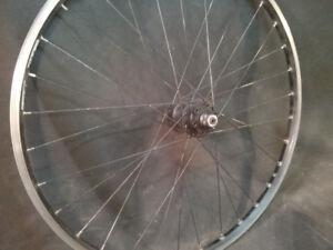 Roue de vélo, en aluminium, Weinmann 26 x 1.5 po / 559 mm
