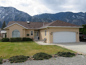 home for sale in keremeos