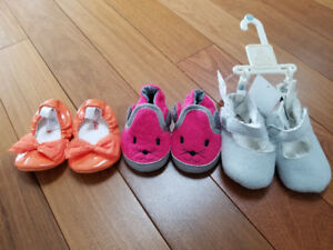 Baby Gap Shoes - size 3 - 6 mths