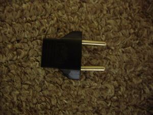 Power plug converter adapter London Ontario image 1