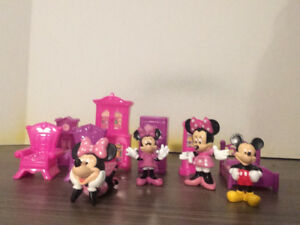 Figurines Mickey et Minnie mouse et mobiliers