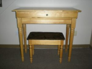 WOODEN MAPLE DESK AND BENCH SET