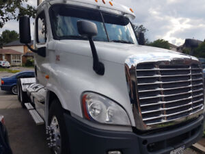 2012 Freightliner Cascadia - Heavy Spec Daycap with PTO